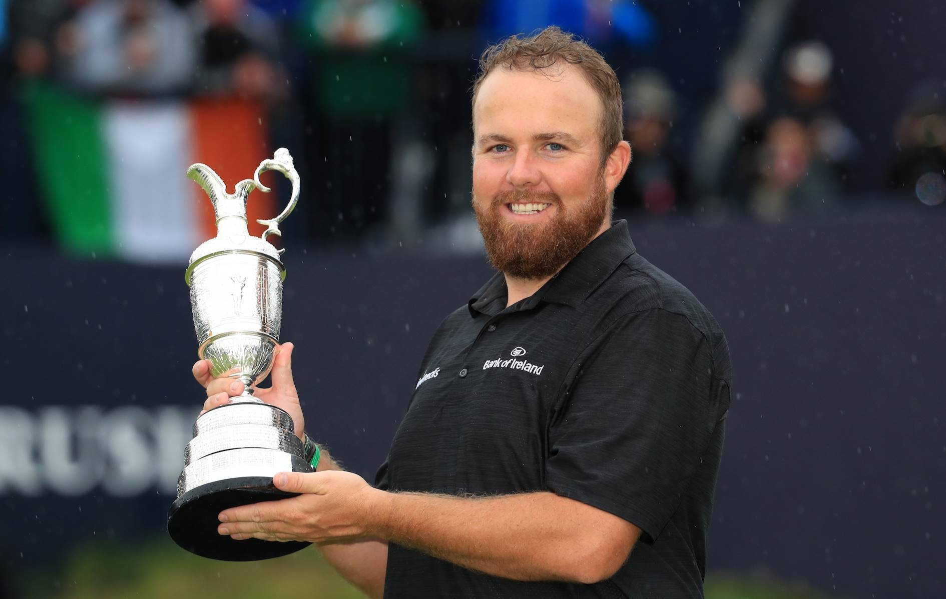 PORTRUSH, NORTHERN IRELAND - JULY 21: Open Champion Shane Lowry of Ireland celebrates with the Claret Jug on the 18th green during the final round of the 148th Open Championship held on the Dunluce Links at Royal Portrush Golf Club on July 21, 2019 in Portrush, United Kingdom. (Photo by Andrew Redington/Getty Images)